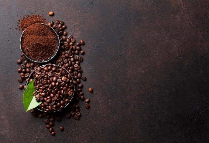 درمان چین و چروک دور چشم با ماسک قهوه